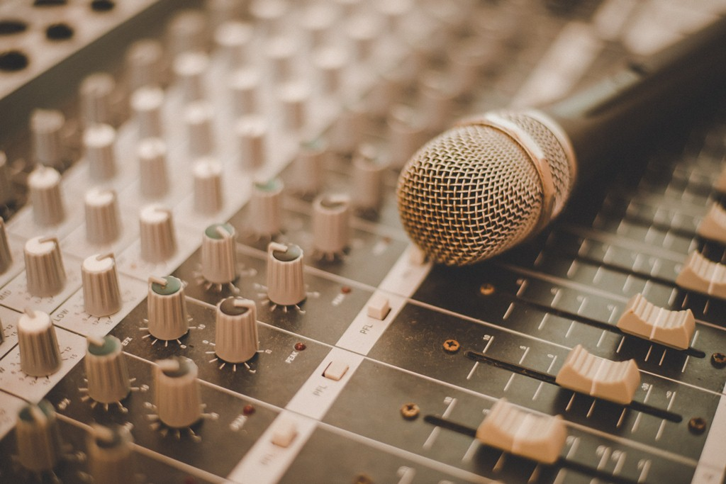 Microphone and mixing console.
